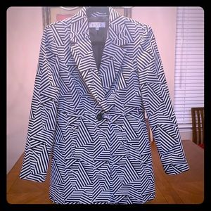 Mid length coat, double lined flawless